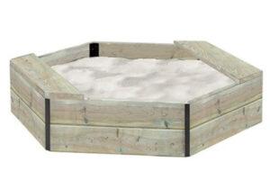 Stor sekskantet sandkasse med sandkassenet