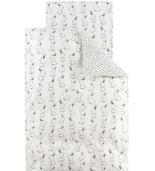 Nørgaard Madsens babysengetøj med hvide kaniner