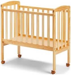 JLY Dream Bedside Crib 40x84 cm i skandinavisk design